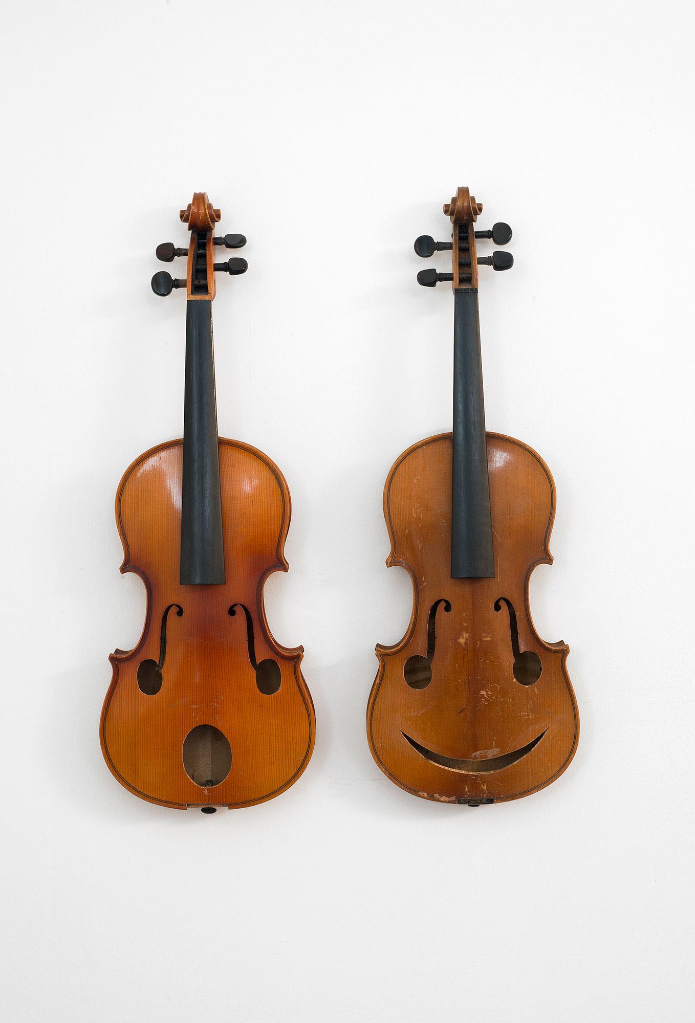 2 violins