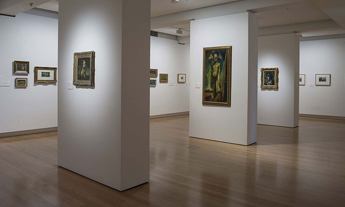 Installation view of 'Painter in Paradise: William Dobell in New Guinea' | Photo: Carl Warner