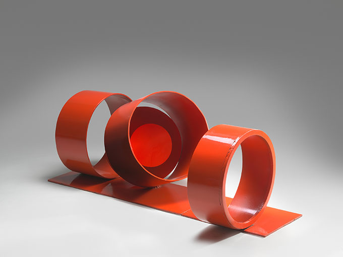 Inge KING  'Red rings' 1972–73  painted steel  National Gallery of Australia, Canberra  Gift of the artist 2012. Donated through the Australian Government's Cultural Gifts Program  Courtesy National Gallery of Australia, Canberra